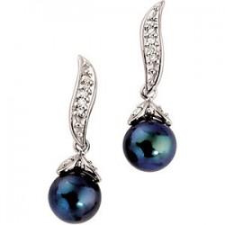 Akoya Cultured Pearl & Diamond Earring